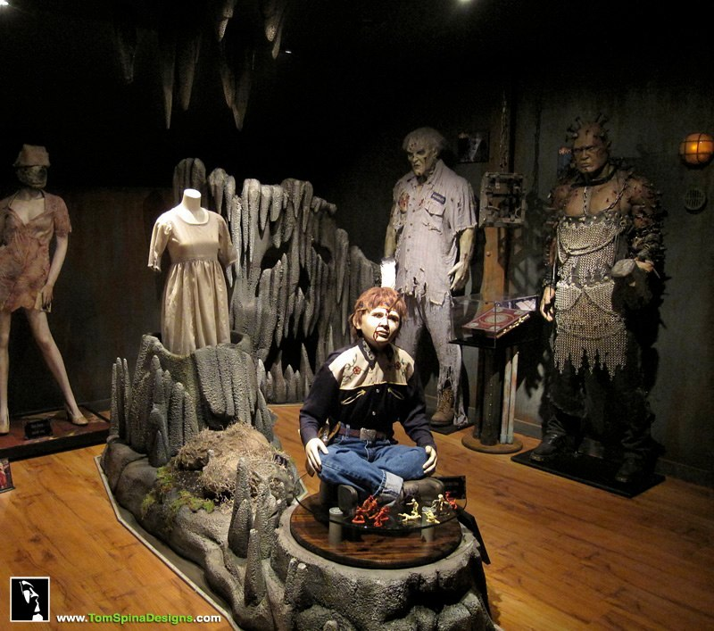 Theater Room Decor Ideas Pinterest Media D On Old: Rent Horror Movie Themed Rooms And Other Movies & TV Shows