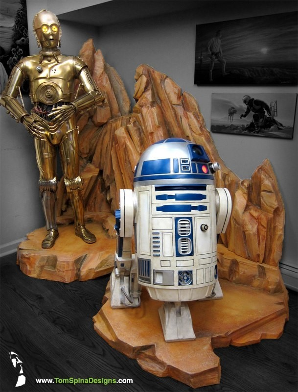 Side Show life sized star wars statues of See Threepio and Artoo Deetoo