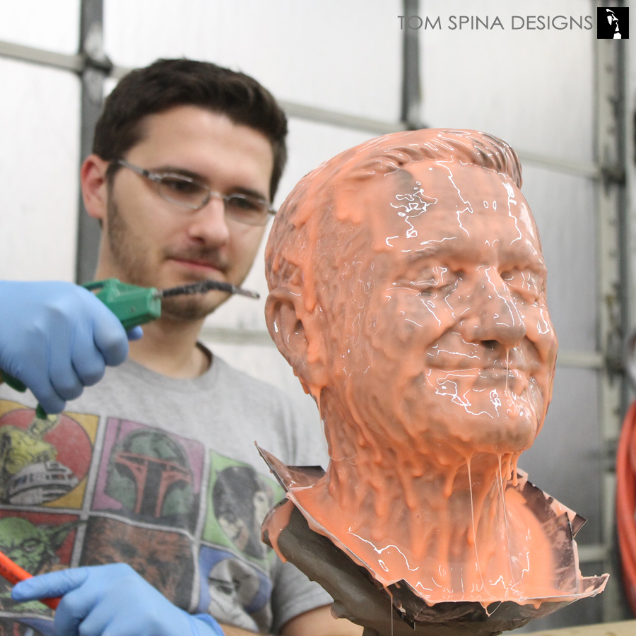 Robin williams mannequin what dreams may come tom spina for The garden designer robin williams